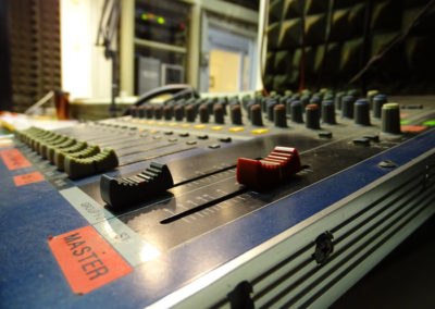 ElleRadio - FM 88.100 - radio